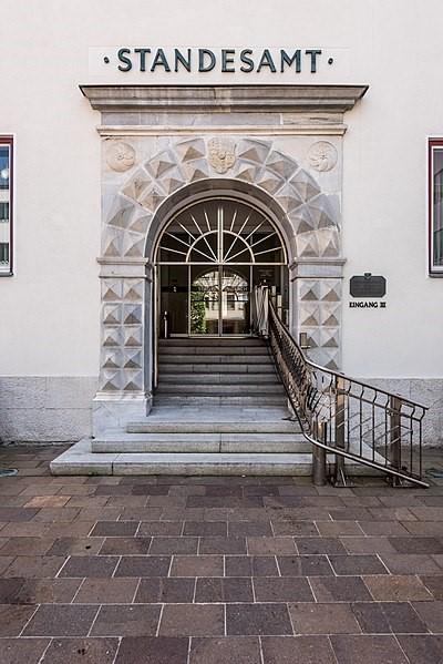 German Genealogy by popular US online genealogists, Price Genealogy: image of a German civil registration building.