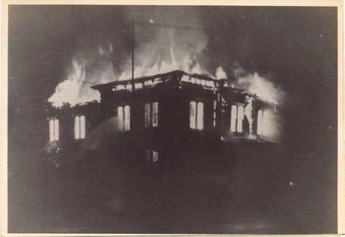 Southeast United States by popular US online genealogists, Price Genealogy:black and white image of a burning house.